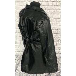 Čierny koženkový kabátik s opaskom